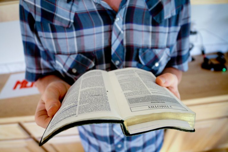 15 Conseils pour choisir un compagnon compatible pour un mariage chrétien heureux